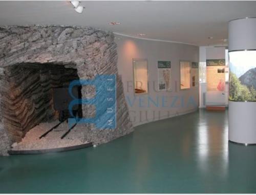 Allestimento espositivo dedicato all'attività mineraria del resartico