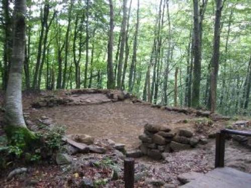 Ecomuseo della montagna pistoiese. Itinerario della pietra. Insediamento altomedioevale dell'Acquerino