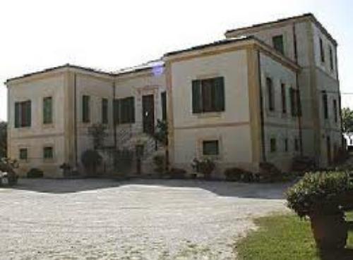 """Villa museo fondazione """"Piccolo di Calanovella"""""""