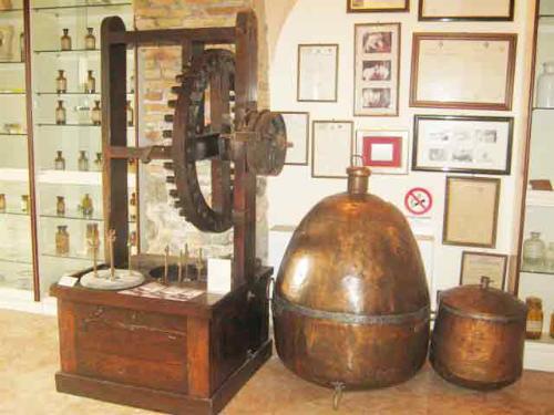 Museo Storia della farmacia e Biblioteca Rabainisia