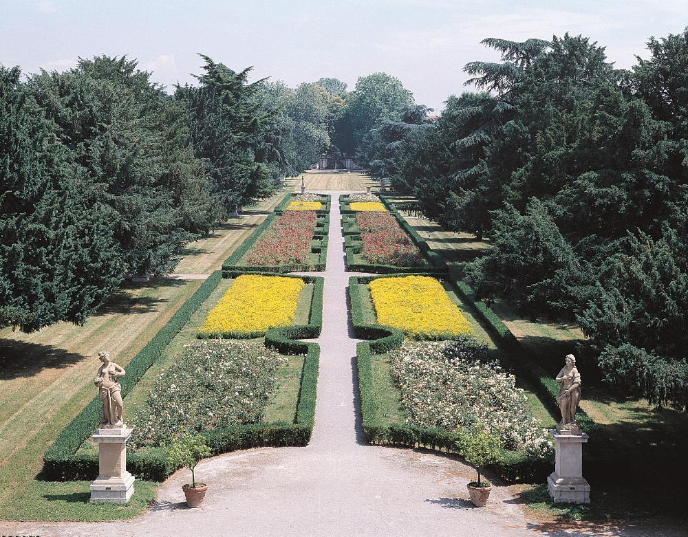 Il Giardino Arese Borromeo en plein air