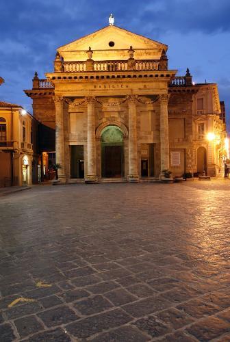 Cattedrale di Santa Maria del Ponte