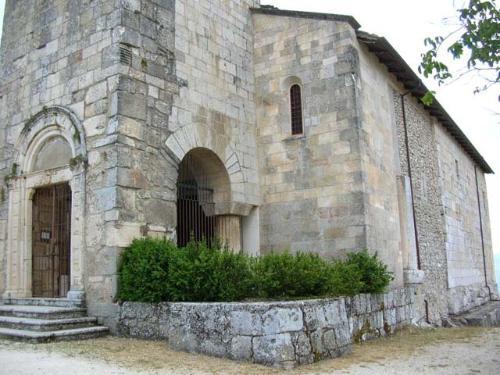 Chiesa di San Pietro in Alba Fucens