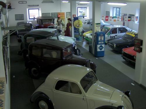 Museo di auto e moto d'epoca Nostalgia Club