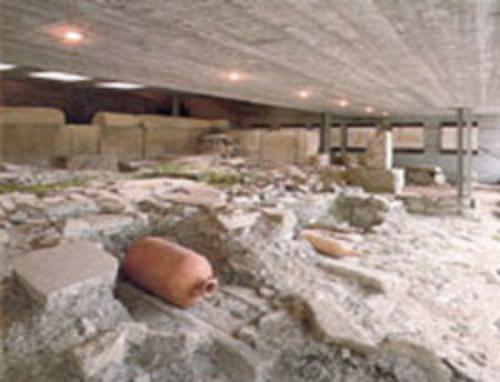 Antiquarium e sepolcreto di via Donota