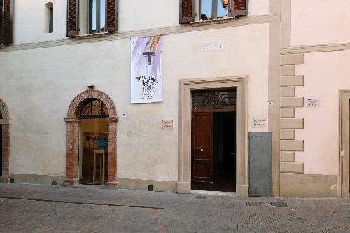 Collezione Nino Caruso e vaselle d'autore