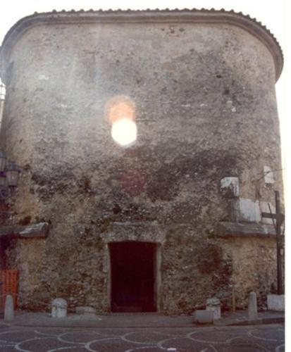 Mausoleo c.d. degli Acilii Glabriones