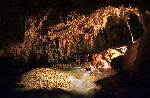 Museo di speleologia V. Rivera e Grotte di Stiffe